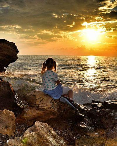 Myliddlegirl Sun Holidays Türkei2015 Sonnenuntergang Child Likesforlikes Taksforlikes Pictureoftheday Girl Urlaub Meer