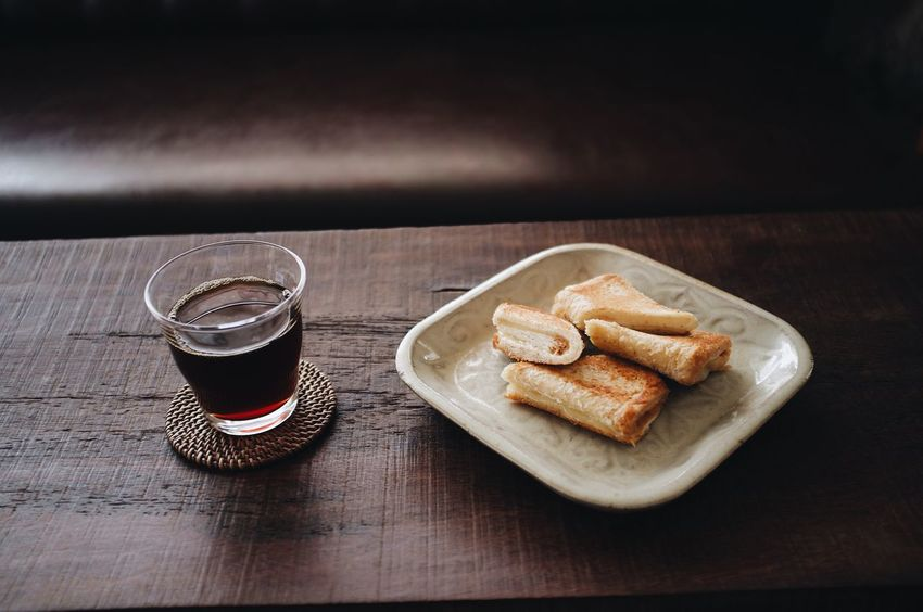 Breakfast : black coffee and grilled chesse sandwiches Fillter Craft Coffee Slow Bar Coffee Cafe Sandwiches Coffee Breakfast Pour Over Coffee Black Coffee Hand Drip Coffee Food And Drink Still Life Food Drink