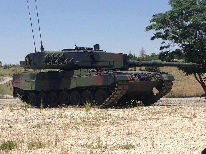 Leopard2 Tank Fire