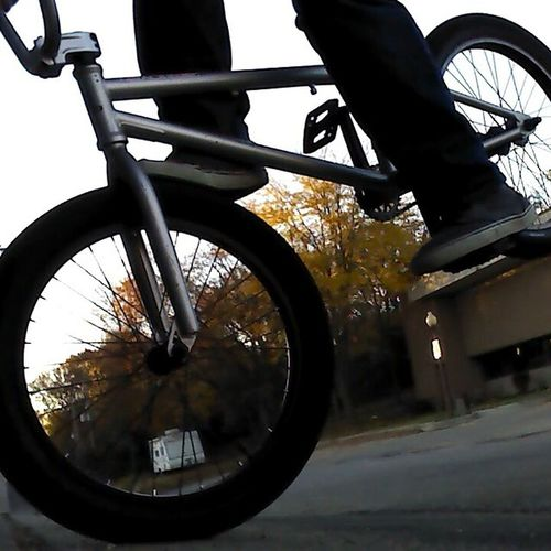 Footjam to stoppie. Bmx  Haro FootJamToStoppie DidntLandIt followforfollowfollowforfollowfollow4followlikeforlikelikeforlike
