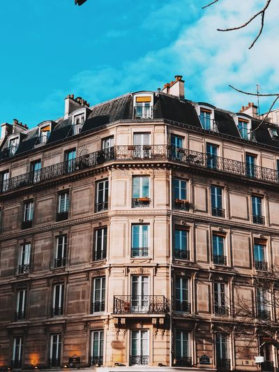Palazzi / Paris 🇫🇷 Paris Low Angle View Architecture Window Building Exterior Built Structure No People Day Residential Building Outdoors Sky EyeEmNewHere The Graphic City