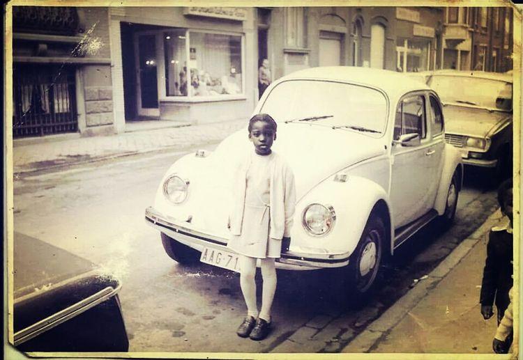 Quelque part en Europe...Innocence Noir Et Blanc Fillette Volkswagen