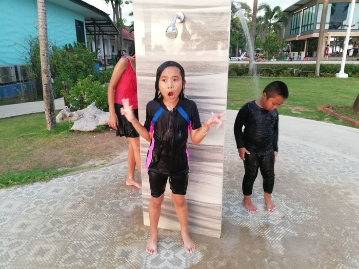 Children enjoy on summer trip 2019,หาดเจ้าหลาว Achi2019 Child Childhood Architecture Males  Boys Real People Full Length Girls Men Lifestyles Front View Two People Leisure Activity Togetherness Females Family People Built Structure Enjoyment Positive Emotion Sister Innocence