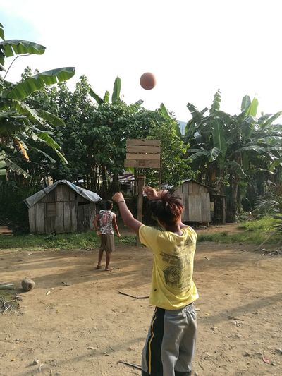 Village sports Village Life Poor  Sports American Lifestyle Basketball - Sport Tree Competition Court Togetherness Young Women Childhood Playing Basketball Hoop Motion