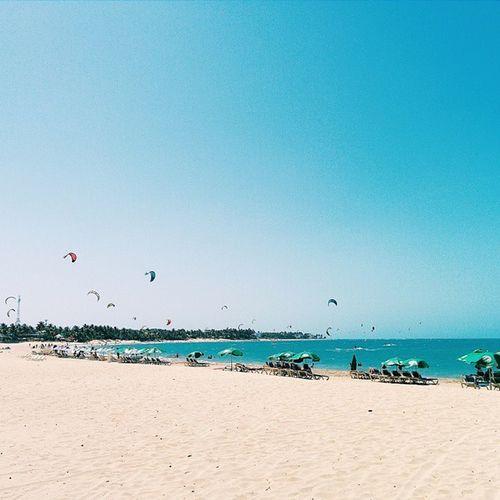 Playa Cabarete 🌊🌞🌴 Estoy en negación con todos estos días de lluvia. Que se quede nublado pero que deje de llover ya 😒 Vscocam Vscogrid Beach Sky Blue Cabarete LAX Latepost Viajard Vscord