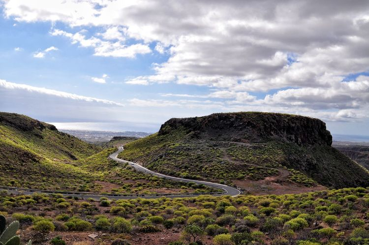 Mountain road on gran canaria island Landscape Beauty In Nature Nature Scenics Outdoors Grass Road Trip Traveling View Way Road Island Gran Canaria High Angle View Nature Vacations Winding Road Travel Destinations Gran Canaria Paradise ısland SPAIN The Great Outdoors - 2017 EyeEm Awards