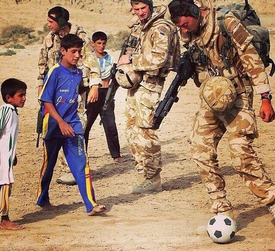 British army playing soccer in Iraq ???? Uk British Military British Arrmy Soccer⚽