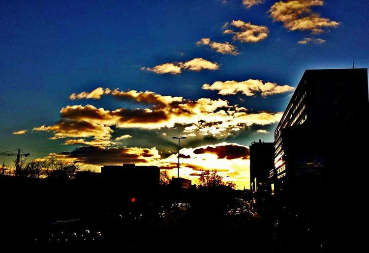 🌆 Cloud Clouds Skyporn Sky_collection Sunset_collection Sunset #sun #clouds #skylovers #sky #nature #beautifulinnature #naturalbeauty #photography #landscape Sunset Silhouettes Follow4follow EyeEm Nature Lover EyeEm Best Shots Followme Eye4photography  Nature_collection Nature Photography Naturelovers Beautiful Nature Beautiful Sky Beautiful Sunset Burning Sky EyeEm Best Shots - Nature Sky Silhouette Cloud - Sky Building Exterior Built Structure City Low Angle View Sunset Architecture Nature