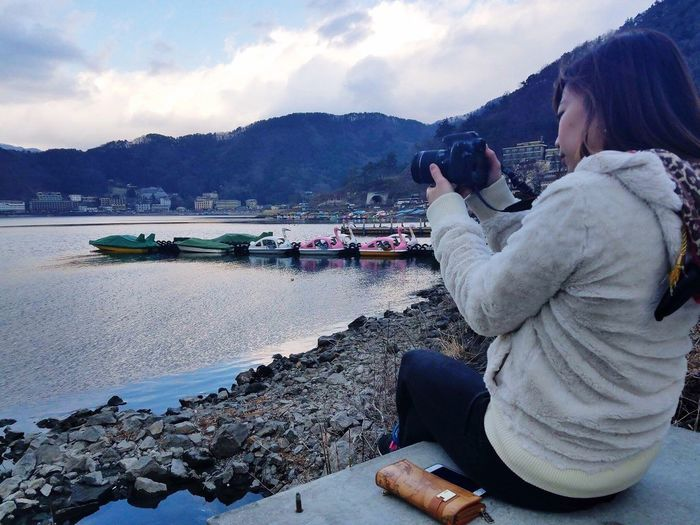 Shotbyfriend Amazing Mountain Range One Person Sitting Cloud - Sky Lake Beauty In Nature Scenics Women Mountain Japan Photography Water Japan Photos Women Outdoors Lake View in Kawaguchiko Lake Yamanashi,japan