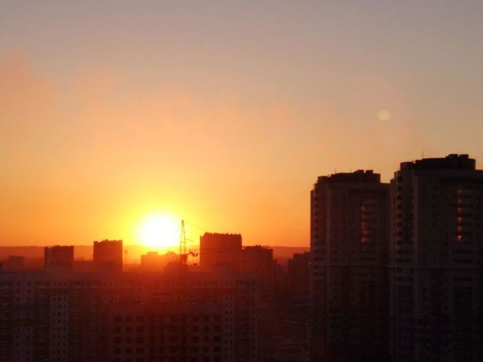 """ЖК """"Кемерово-сити"""" City Cityscape Urban Skyline Skyscraper Sunset Sky Architecture Building Exterior Romantic Sky Atmospheric Mood Atmosphere Atmospheric Dramatic Sky Shining Silhouette Tall - High Streaming Forked Lightning Cumulus Overcast Majestic Residential Structure"""