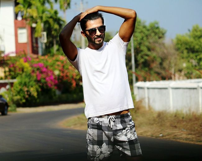 Oo Babby.. Don't Break my Heart! 🎤🎶💔 That's Me Hanging Out Taking Photos Check This Out Hello World Cheese! Hi! Enjoying Life Beach Sea Highway Beautiful Love Model Beard Canon Fashion Goa Self Portrait Street Photography Life Is A Beach First Eyeem Photo Hot Boys
