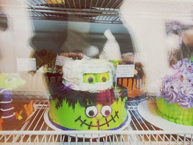 I want one so bad????? Icecreamcake  Halloween Mummy Frankenstein