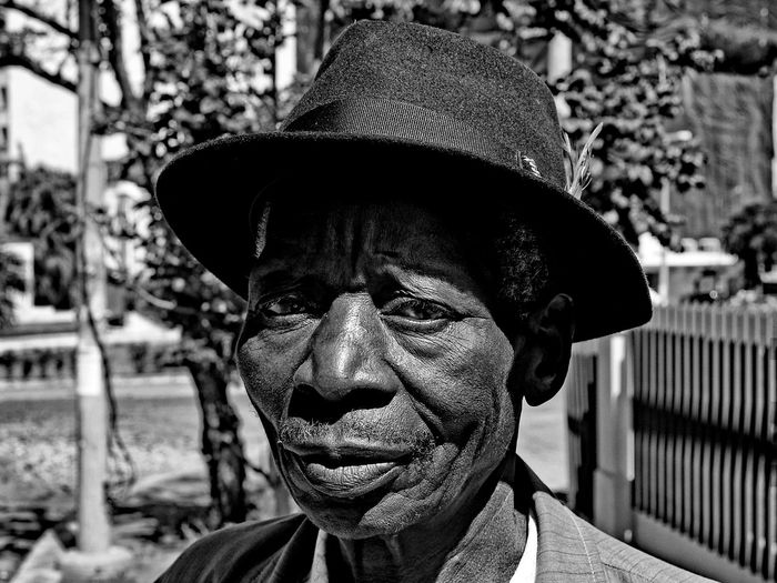 Headshot Portrait Hat One Person Focus On Foreground Clothing Real People Lifestyles Close-up Senior Adult Men Day Adult Looking Front View Males  Senior Men Mature Men Looking At Camera