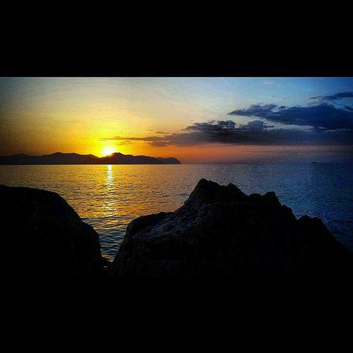 Sunset at Bagheria tonight. Bagheria, Sicily, Italy. Fantastic. ... Bagheria Sunset Italia_bestsunset Sicilysummer Sicilia Sicily Cinemaparadiso Italygram Italia Travel Italy Sea Mare Clouds @lynenicholas