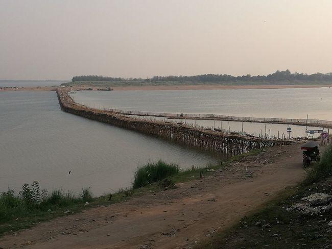 Kompong Cham bridge pont Bambou