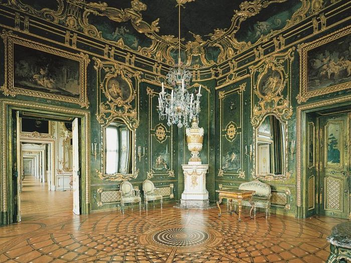 Chandelier Architectural Column Luxury City Indoors  Statue No People Architecture Horizontal Day Building Exterior Travel Destinations Built Structure Architecture And Art W Würzburger Residenz Baroque Germany Trustme