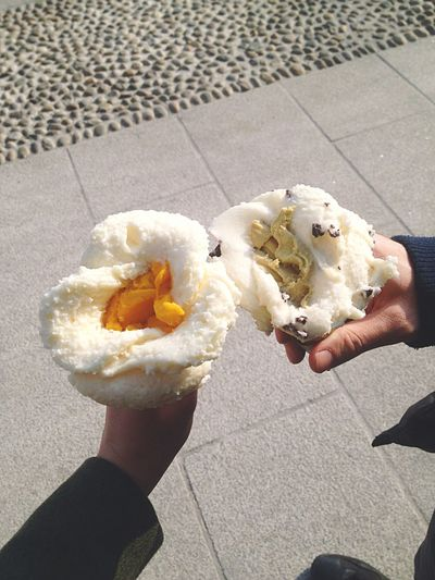 [ Ice Flower ] Spring Ice Cream Milano Navigli Friends Hanging Out Enjoying Life Relaxing Good Times Flowerpower