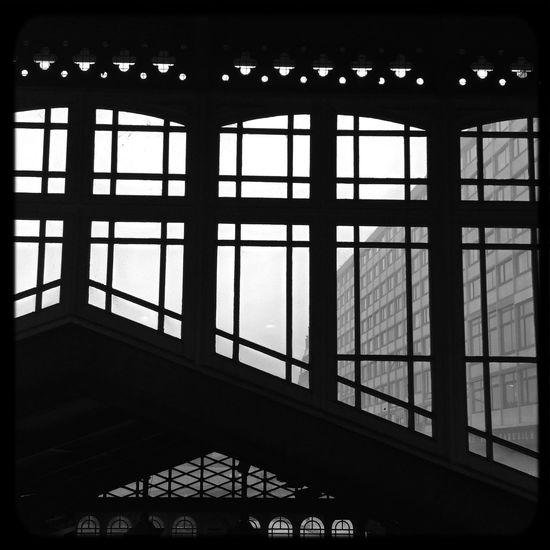« Chassez les préjugés par la porte, ils rentreront par la fenêtre. » Frédéric II Bnw_captures Architecture_bw Rsa_bnw Blackandwhite