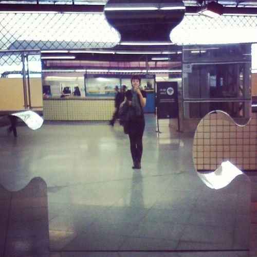 Tem uma peça de quebra cabeça gigante no metrô Paraíso! Artenometro