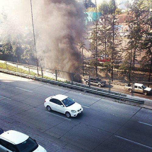 Incendio en AutopistaCentral en puente sazie al sur