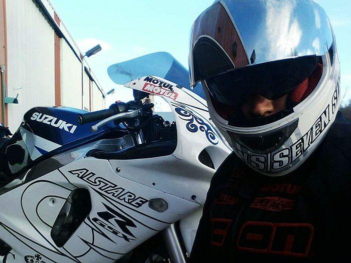 Suzuki GSX-R 600  Gixxer6 My Life Ride Bike Lifememories..... Eyeem Minnesota Thats Me  Gsx-r Gixxer