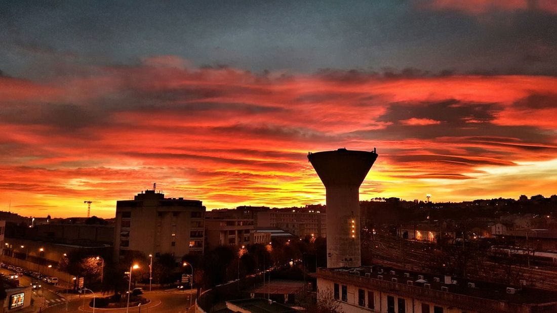 Sunset EyeEm Best Shots Viewfrommywindow Galaxys6 Burning Sky EyeEm Gallery Check This Out Urban Landscape