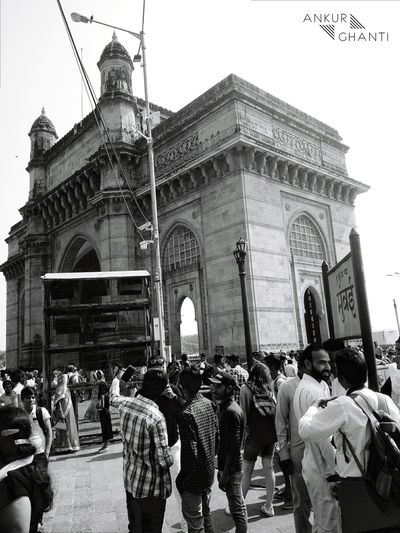 Mumbai Sunny Getwayofindia Ocen  Lenka Blackandwhite Artest Crowd Wonderful Sunday I Phone EyeEm Architecture Built Structure Large Group Of People Day Building Exterior People Real People Outdoors Travel Destinations Sky Only Men Adults Only Adult