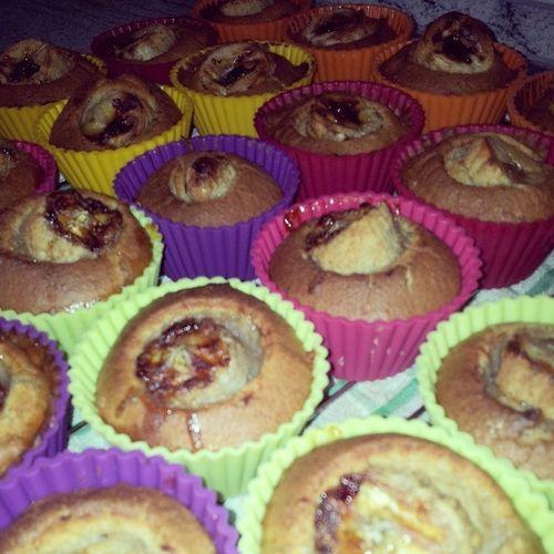 diese Wundervollen Muffins haben gerade meinen Backofen verlassen, Vollkornmuffins mit bananenkern werde gleich das rezept auf meinem blog kochloeffelundhantelstange posten