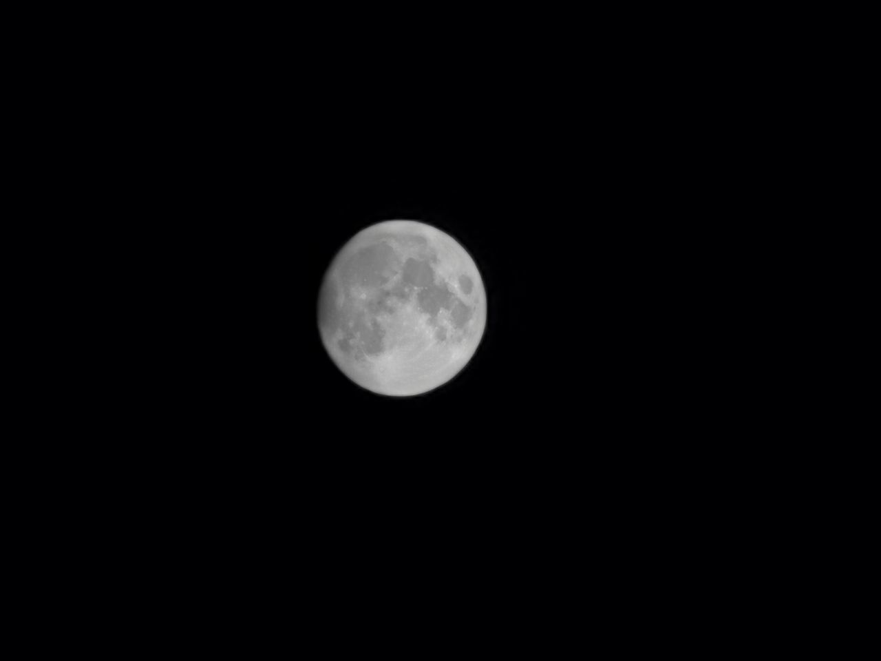 space, moon, astronomy, sky, night, beauty in nature, full moon, planetary moon, scenics - nature, circle, shape, geometric shape, nature, tranquility, copy space, no people, tranquil scene, moon surface, low angle view, idyllic, dark, outdoors, moonlight, astrology
