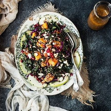 Winter kale and quinoa salad by Tacolicious Restaurant. Yummy yummy 🌿❤🍃🌻❤😍 Kale VEGANLIFE Vegetables Vegan Vegetarian Superfood Quinoa Californiastyle Tacolicious ButternutSquash Pomegranate GreenApple Healthy Foodstyling Foodphotography Foodstagram Foodshare