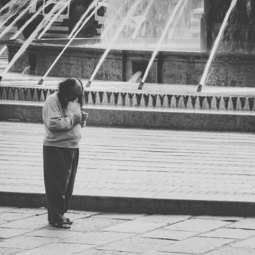 Nothing in his hands Streetphotography Streetphoto_bw Black & White The Lonely Person In A Connected World