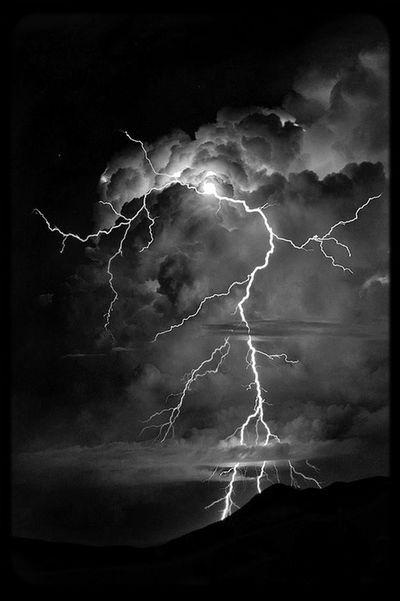 nunca perca seu equilíbrio, por mais forte que seja o vento da tempestade. Tempestade Equilibrio Forte