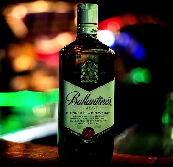 Ballantines Whisky Breakfast Time! Myfriend♥ Urban Cairo City Egypt Canon700D Hyunday Verna Only Men