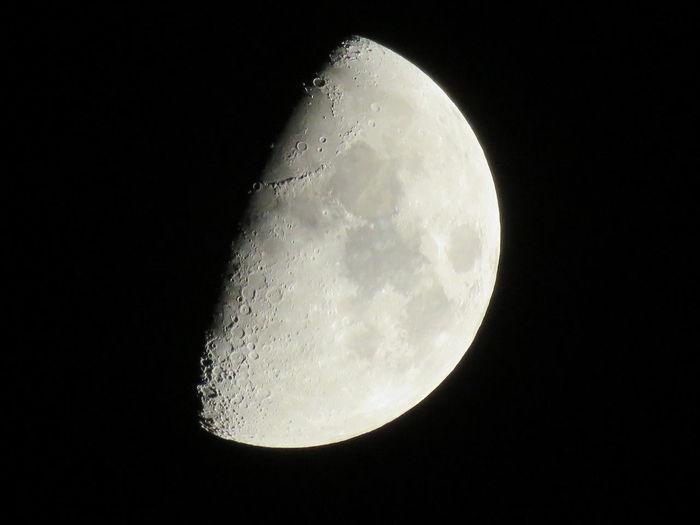 JustGPhotos Moon Shots Of 2016 EyeEm Moon Shots Canonphotography EyeEm Nature Lover Photography Click, Snap, Capture Quarter Moon Moon No Edit No Filter, No Tripod North Carolina Art