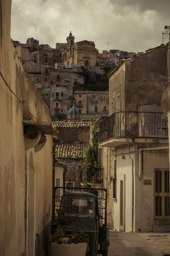 La magia di Ragusa Ibla ❤️ Building Exterior Built Structure City Day No People Outdoors Sky Magic Moments Magic Places Sicily Ibla Streetphotography Street Photography Travel Travel Destinations Travel Photography Love Street The Great Outdoors - 2017 EyeEm Awards The Week On EyeEm Creative Space
