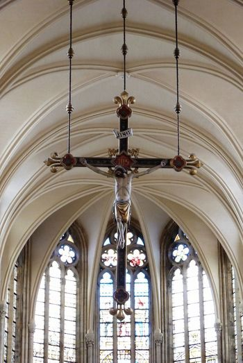Amen Jesus Christ Cross Kathedrale Church Hanging INRI Rip Moment Of Silence Check This Out