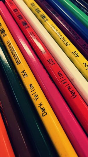 True Colours First Eyeem Photo True Colours Derwent Polychromatic Before Drawing Architecture Lifestyle Previous Preparing Materials Vivid Scales Color Range Clarity Diversity Contrast Light Coloursoft 24 Crayon De Couleur Tone Blend