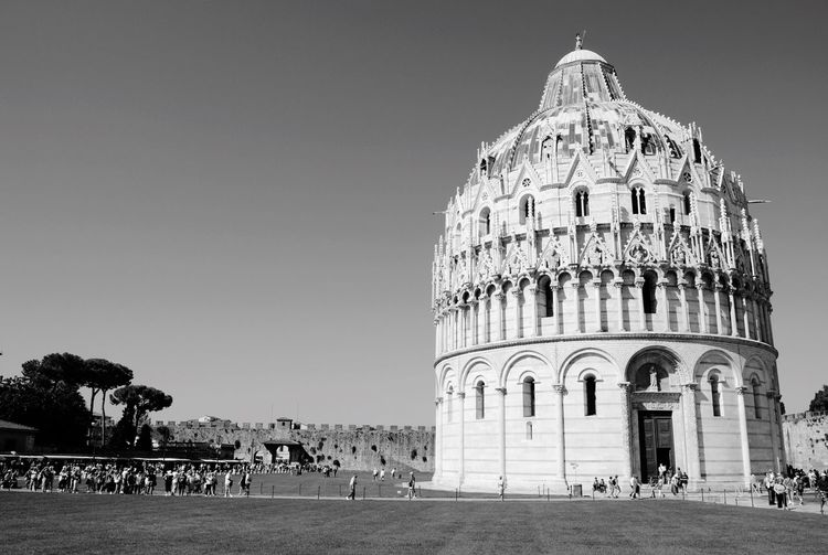 Capture The Moment Getting Inspired Enjoying The View Seeing The Sights Walk This Way Aroundtheworld Traveling Italy Pisa Building Blackandwhite OpenEdit Perfect Match Lines And Shapes Light And Shadow Up Close Street Photography Travel BW_photography