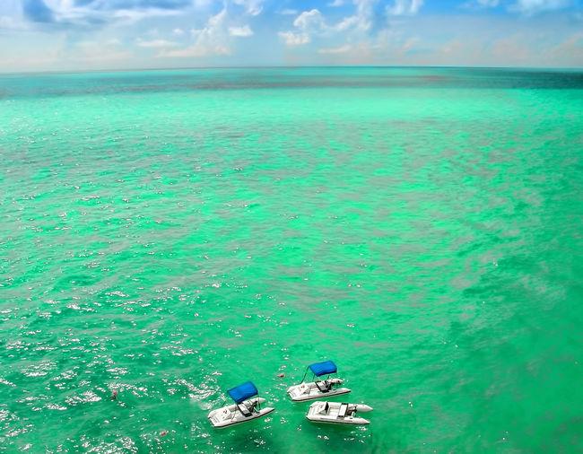 Beach Beauty In Nature Bermuda Bermudaful Day GreenAndBlue  Nature No People Outdoors Pontoon Boat Pontoon Boats Pontoonboats Scenics Scuba Diving Sea Sky Snorkeling Vacations Water The Great Outdoors - 2017 EyeEm Awards