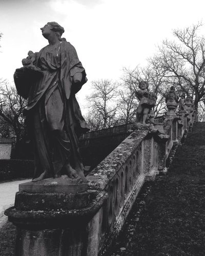 Statues in the garden Blackandwhite Stone Statues Art Rokoko Garden Residenz Würzburg Stairs IPhone Iphone Fotography Angle Landscape