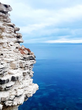 belle vue sur la mer Water Sea Pixelated Beach Blue Sky Horizon Over Water Close-up Cloud - Sky Rugged Coast Rocky Coastline Rock Formation Rock Crashing Physical Geography Rock Hoodoo Wave Whitewashed Surf Natural Arch Natural Landmark Canyon Rocky Mountains Cliff Rushing Rock - Object Eroded Boulder Seascape