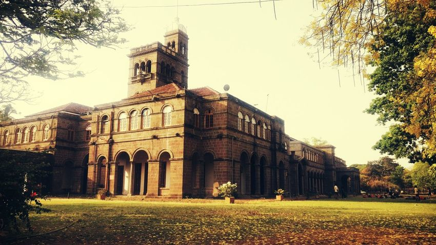 University Pune Old Buildings Renovation Oneplus3T Morning Myphonephotography MyPhotography Relaxing City Tree Pixelated Façade History Sky Architecture Building Exterior Built Structure Grass Triumphal Arch Arch National Monument Historic Architectural Column Tall - High