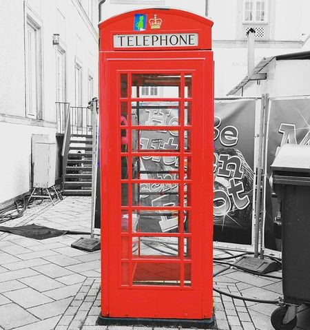 Ein Symbol für die Städtepartnerschaft zwischen Bielefeld & Rochdale: Die Britische Telefonzelle in der Bielefelder Altstadt. Phonebooth Telefonzelle Bielefeld Rochdale Lifeofagoodboy