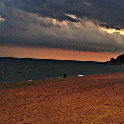 Nanittttt a somniar bonic... ViuLloret Viulacostabrava Beachandheaven Thebestskyever Salimoshoy