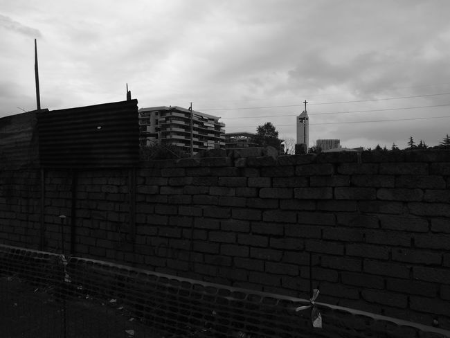 Architecture Building Exterior No People Built Structure Outdoors City Sky Day Cityscape Blanco Y Negro. Huawei P9. EyeEm Gallery Blackandwhitephotography Leica Huawei P9