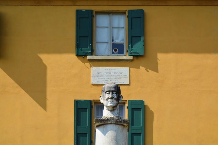 Head of Guglielmo Marconi outside his house at Pontecchio Marconi - Sasso Marconi, Bologna, Italy. Architecture Bologna Building Exterior Built Structure Day Emilia Romagna Guglielmo Marconi Human Representation Italia Italy Museum No People Outdoors Pontecchio Marconi Sasso Marconi Sculpture Statue Yellow Art Is Everywhere