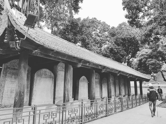 Lsc_hanoi Winter 2018_bnw_temple Of Literature Temple Of Literature Temple Of Confucius Vietnam's First National University Hanoi Holiday With Sharon Hanoi Architecture