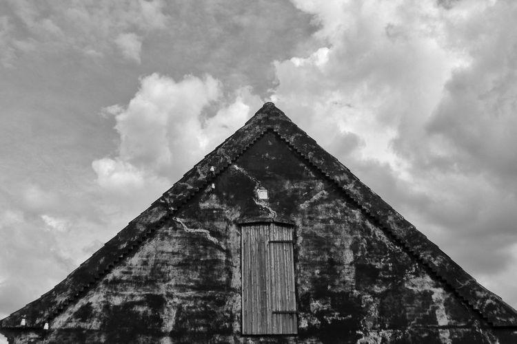 Black facade Walsrode Facades Blackandwhite Blackandwhite Photography Symmetry Clouds And Sky