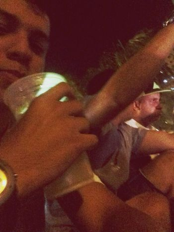 Caipvodka com os brothers ✌️? Relaxing