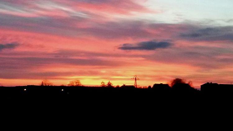 Lights Sky Sky And Clouds Poland 💗 EyeEm Poland Annyeonghaseyo  Love ♥ ❤️💜💙💚💛 Before School 您好 안녕 아녕하세요 ❤ 안녕하세요 Hello World Goodmorning :) Morning Light Morning Sky Happy :) 你好 Beautiful *.* Lovely Morning Sun Morning Lights